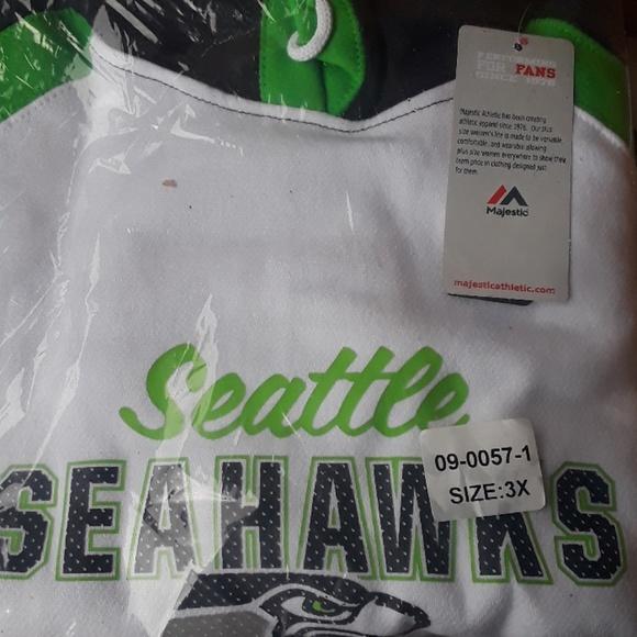buy popular 46c96 06b8b Seattle Seahawks 3x hoodie still in the retail pac NWT